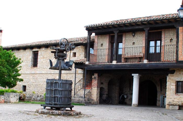 Visita Bodegas y Viñedos Alfredo Santamaría